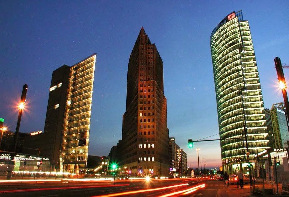 Edifícios comerciais na Potsdamer Platz em Berlim