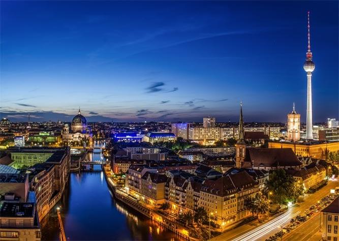 Movimento de Berlim à noite