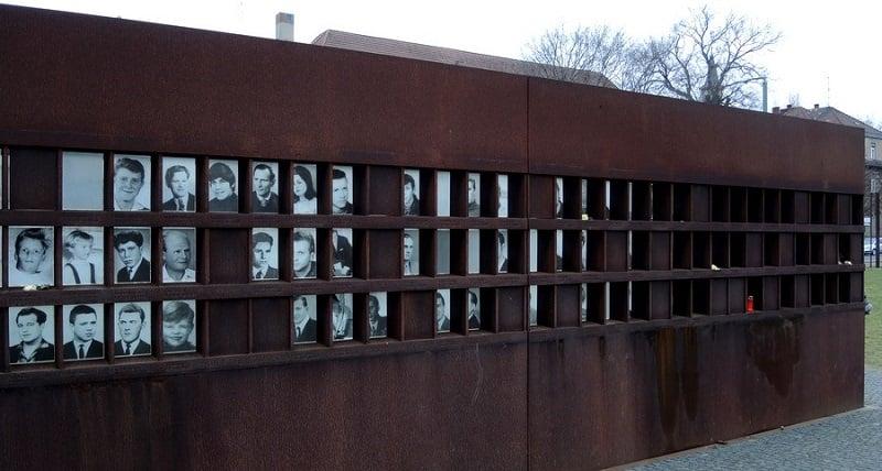 Memorial às vítimas