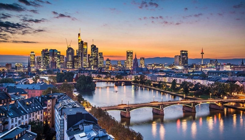 Vida noturna em Frankfurt