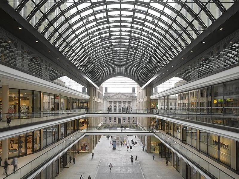 Interior do Mall of Berlin