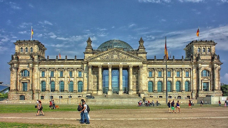 Palácio do Reichstag em Berlim no mês de setembro