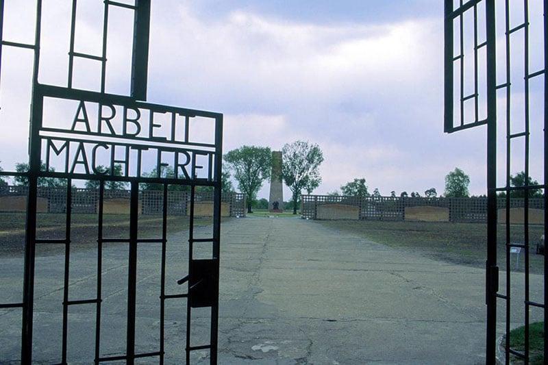 Portão do campo de concentração Sachsenhausen