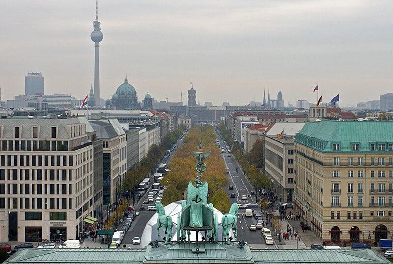 Avenida Unterden Linden em Berlim