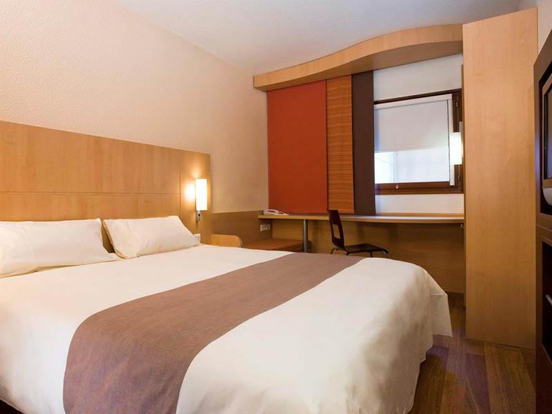 Quarto do Hotel Ibis em Colônia