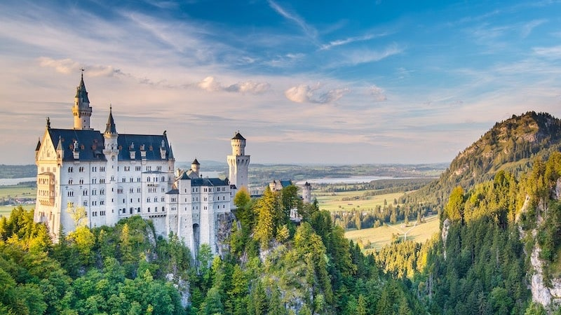 Vista do Castelo de Neuschwanstein na Alemanha